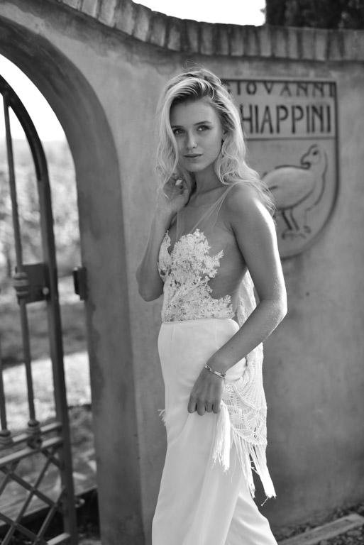 Scarlett Gartmann trägt Hotness LZ und Marlene in Bella Italia