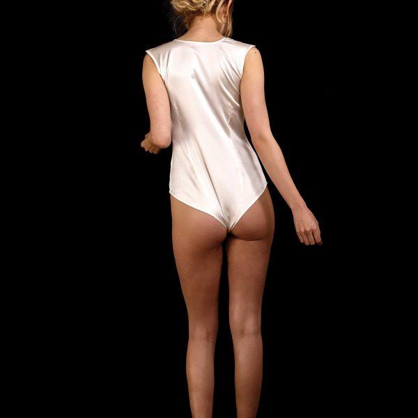 Rückenansicht Body-Bluse aus Seide mit tiefem Ausschnitt ohne Kragen und Ärmel in ivory