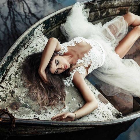 Brautkleid - Body - Rock - Boot - Wasser - Hochzeit - Wedding - Destination