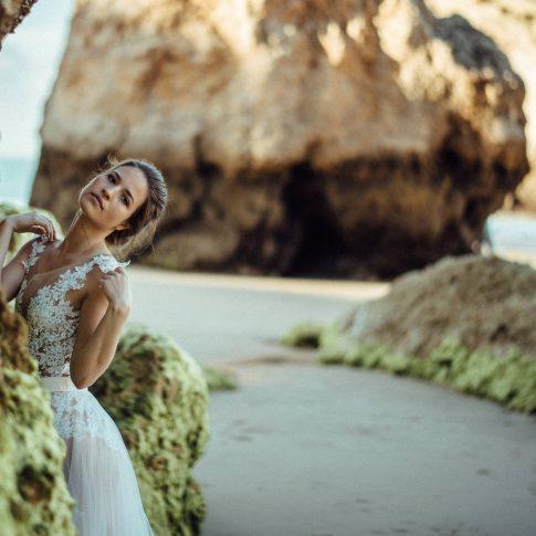 Brautkleid - Meer - Strand - Sommer - Body - Rock - Schleppe - Spitze - Algarve - Portugal - Destination Wedding