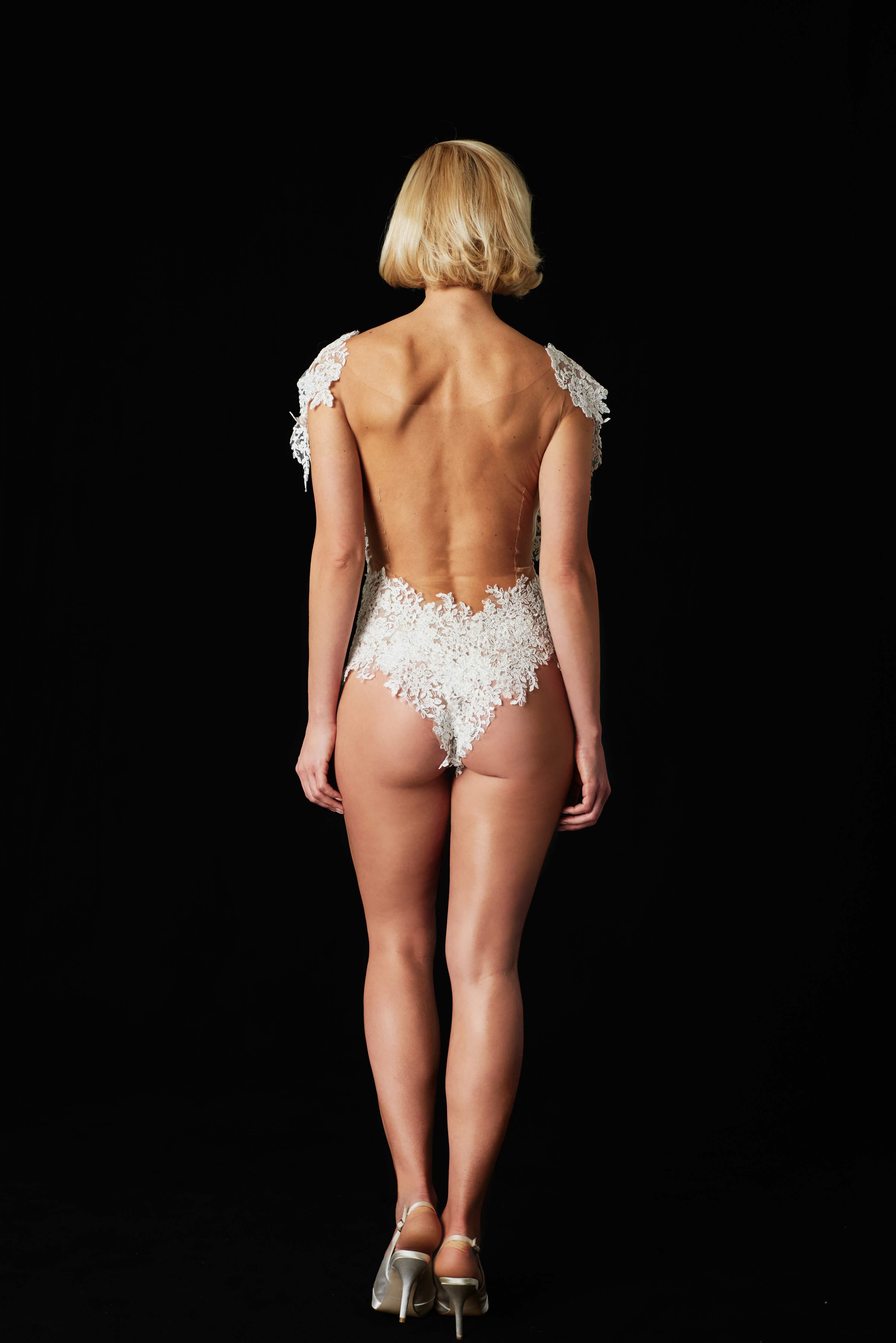 Scarlett Gartmann  nackt