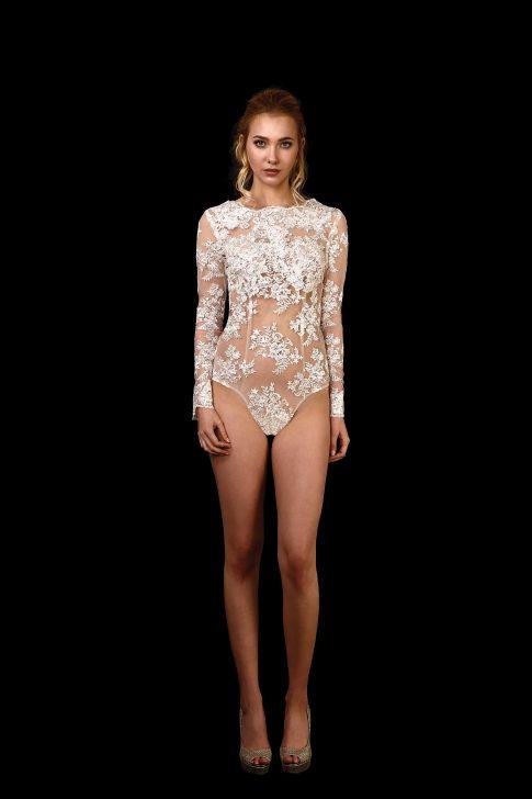 Vorderansicht transparenter Body Eros aus Spitze mit langen Ärmeln