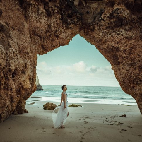 Brautkleid - Meer - Strand - Sommer - Body - Rock - Schleppe - Spitze - Algarve - Portugal - Destination Wedding